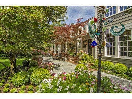 renovated georgian-style estate luxury real estate