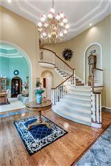 Mansions in timeless elegance in coveted Gunshy Ridge