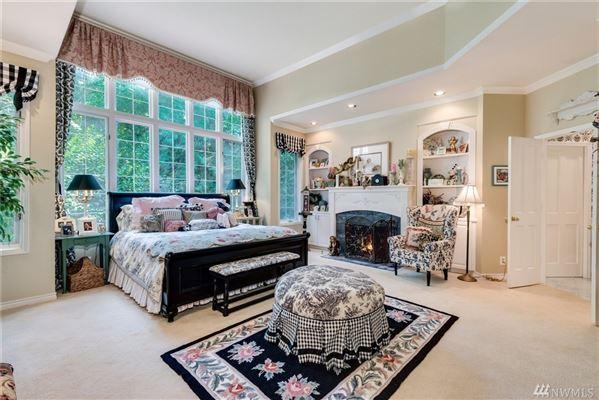 Mansions timeless elegance in coveted Gunshy Ridge