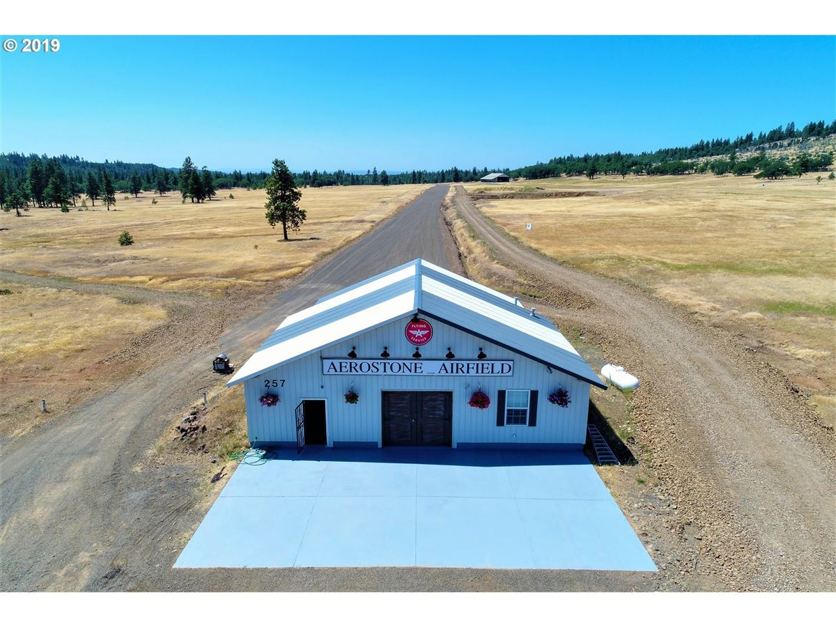 Luxury properties Exceptional Aerostone Airfield and Ranch