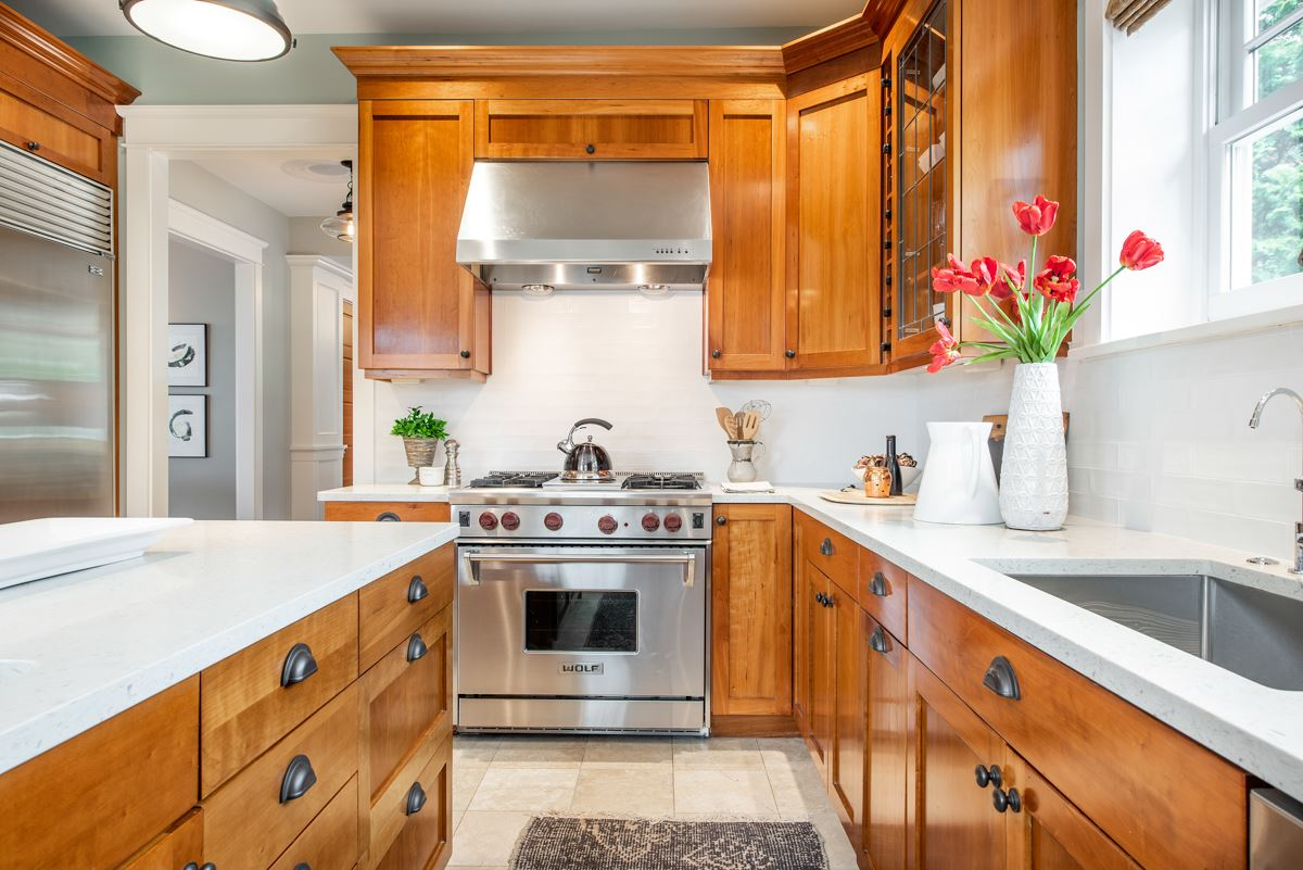 Luxury properties stately Queen Anne craftsman home