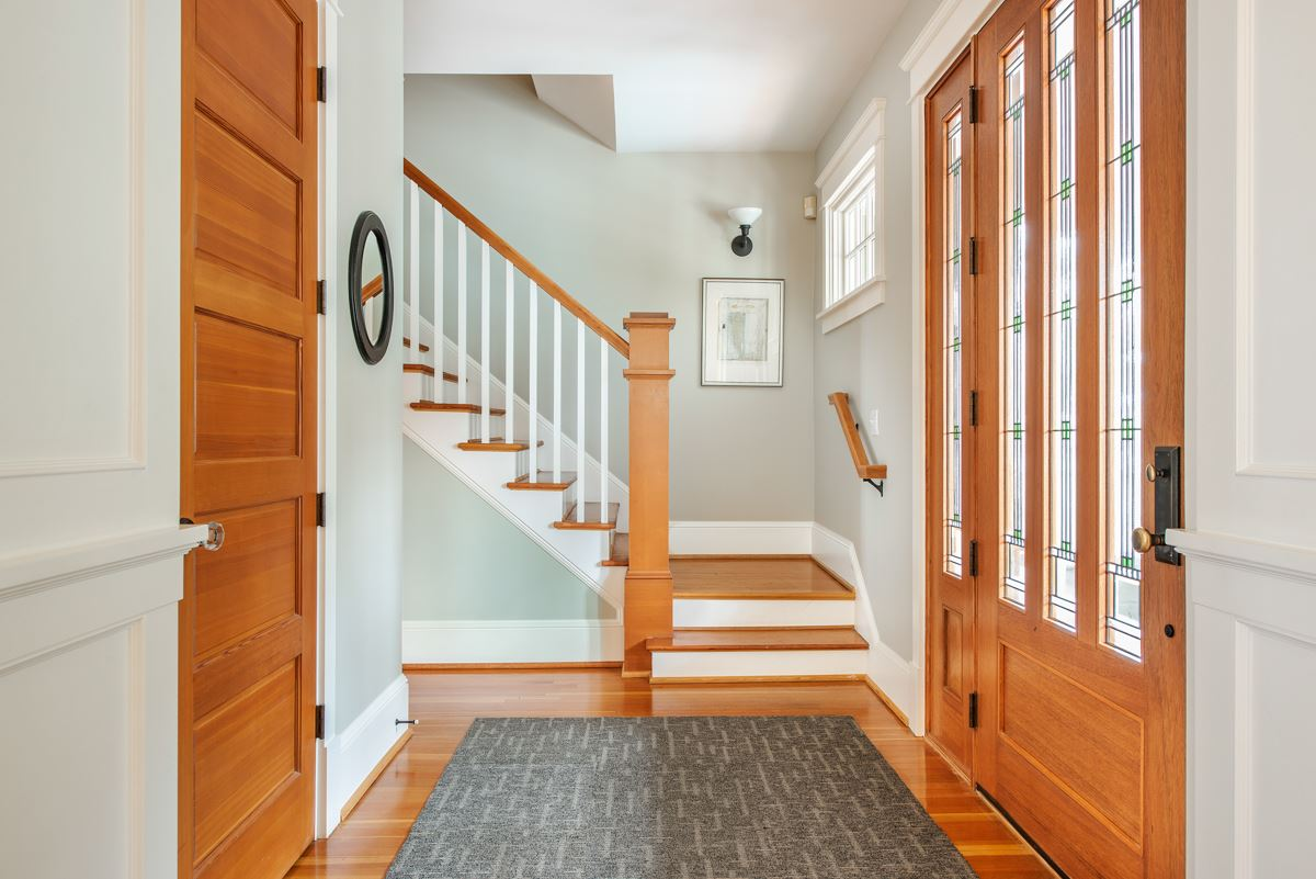 Mansions in stately Queen Anne craftsman home