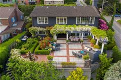 Mansions in  magnificent and meticulously renovated colonial
