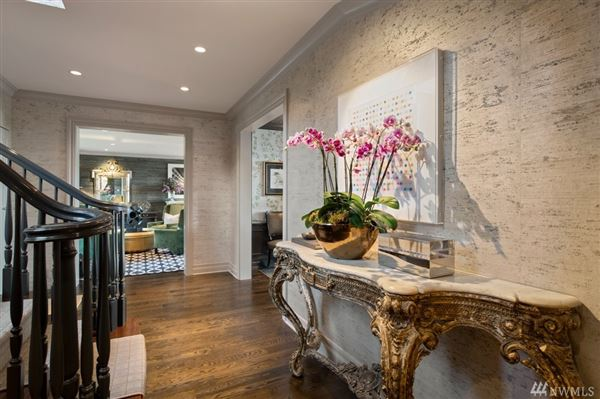 Luxury homes  magnificent and meticulously renovated colonial