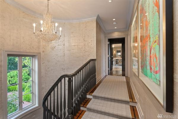 magnificent and meticulously renovated colonial luxury real estate