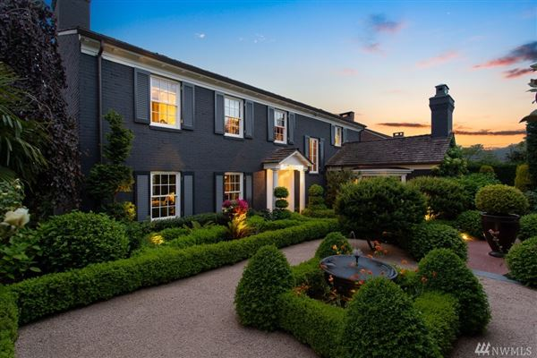 magnificent and meticulously renovated colonial mansions