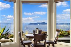 Mansions in quintessential Northwest home on coveted Alki Point