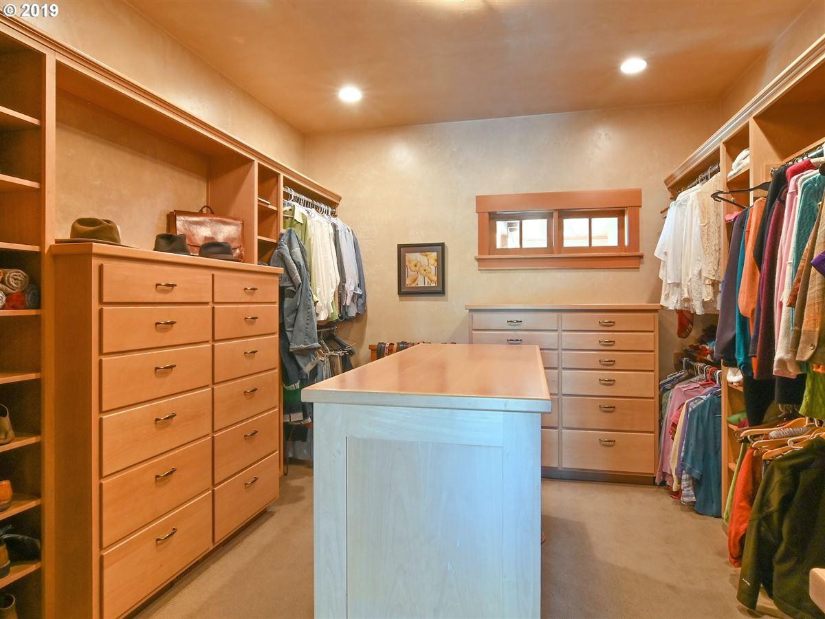 Mansions in custom craftsman on 22 acres