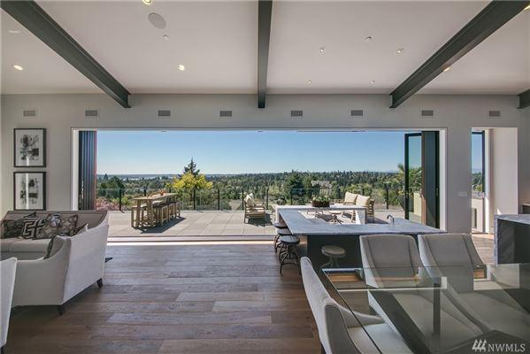 Luxury properties An alluring work of art in Washington Park
