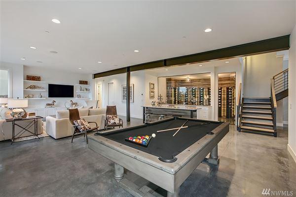 An alluring work of art in Washington Park luxury homes