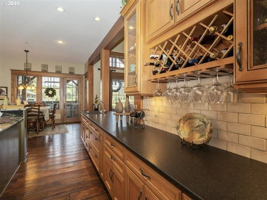 grand and inviting luxury home luxury real estate