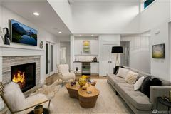 Mansions in sprawling custom home in Spectacular Killarney Circle location