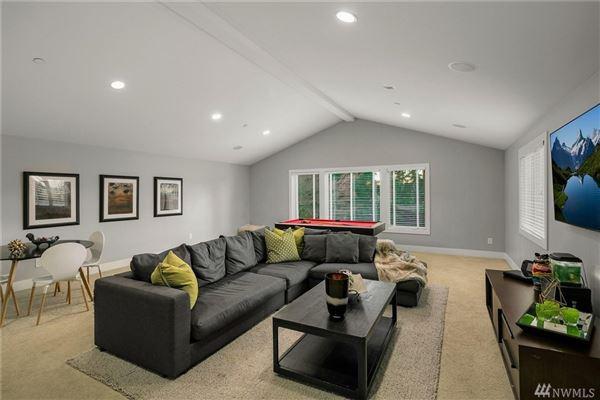 sprawling custom home in Spectacular Killarney Circle location luxury properties