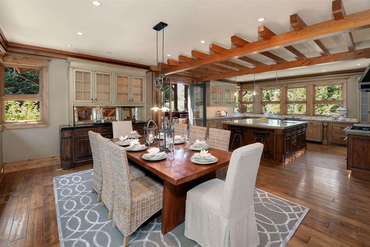 Luxury properties Enchanting estate on Historic Red Brick Road