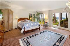 Luxury real estate Stunning Waterview Estate