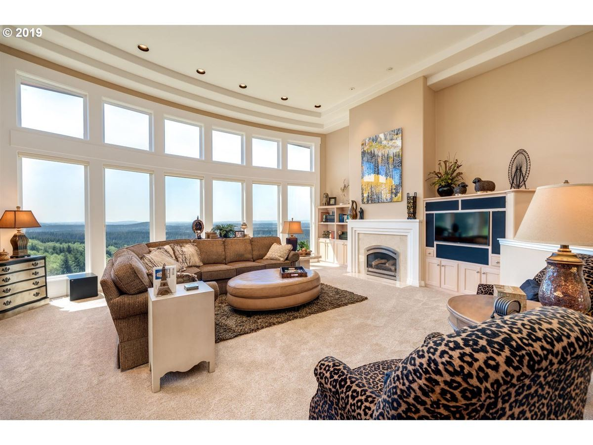 Luxury real estate exquisite details and jaw-dropping views