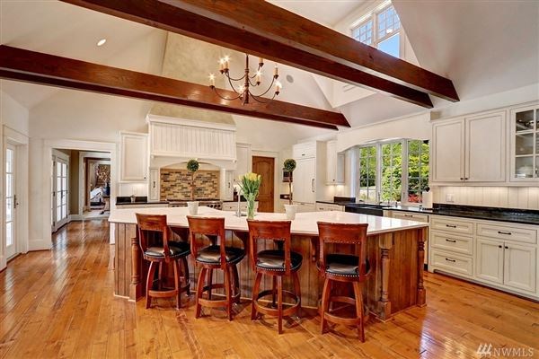 Luxury homes Custom built home on two-plus acres in Woodway Park