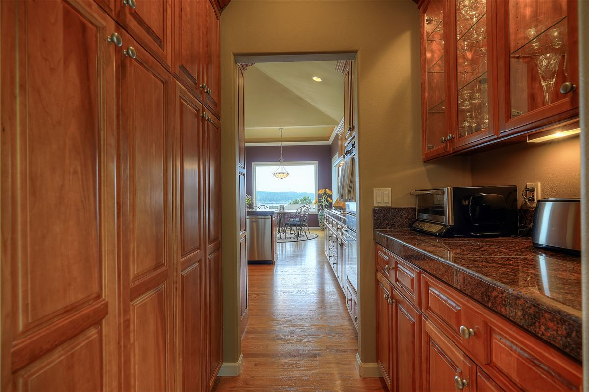 Mansions custom view home in gated community