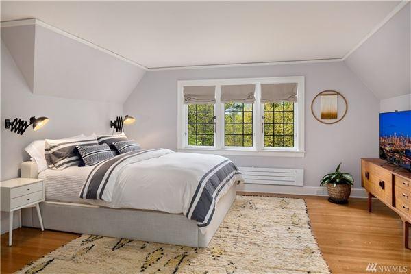 Mansions elegant storybook home on wonderful grounds