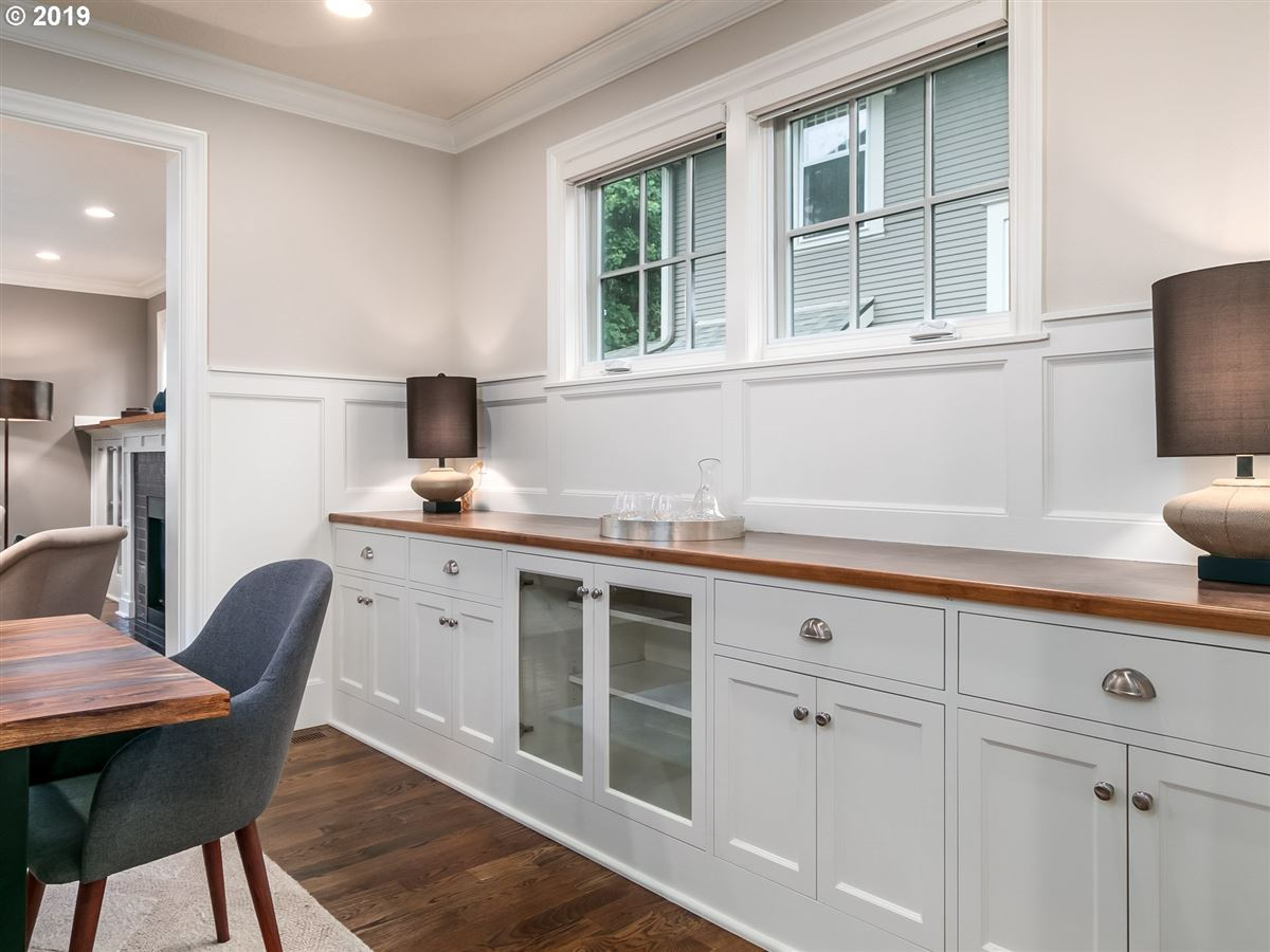 Mansions Rare newer home in Irvington