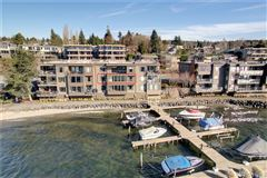 Luxury homes in waterfront home with breathtaking views of lake washington