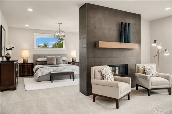 Luxury homes luxurious estate on acreage within rosewood