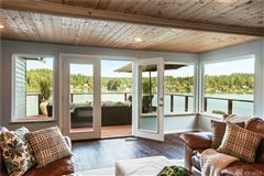 Privately gated waterfront paradise luxury homes