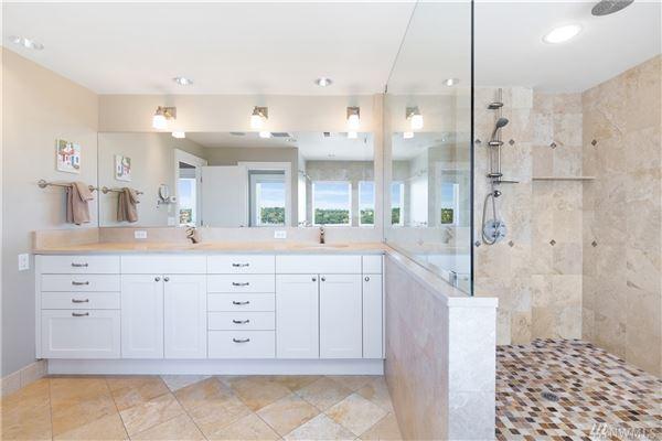 Luxury homes classic spirit with modern amenities