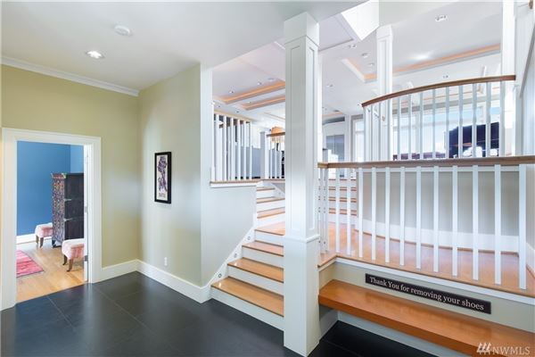 Luxury homes in classic spirit with modern amenities