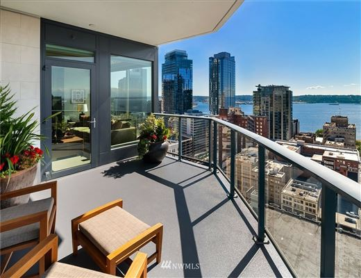 Mansions exquisite sky home with stunning views