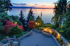 Luxury homes in home Perched above Puget Sound