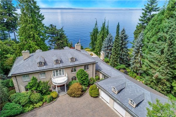 Luxury homes home Perched above Puget Sound