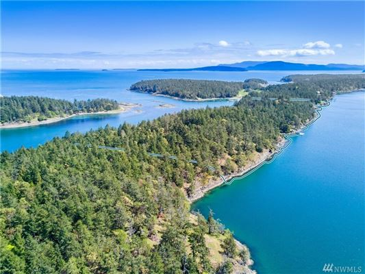 Luxury homes Waterfront Sanctuary on Stuart Island