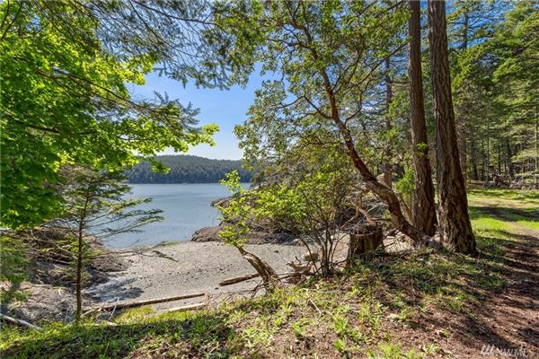 impeccable waterfront home on Stuart Island luxury properties