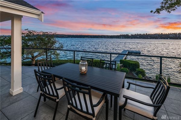 Stunning Carriage style waterfront property luxury real estate