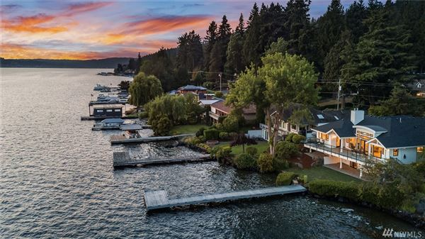 Stunning Carriage style waterfront property luxury properties