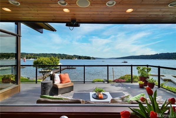 Luxury real estate exceptional waterfront living
