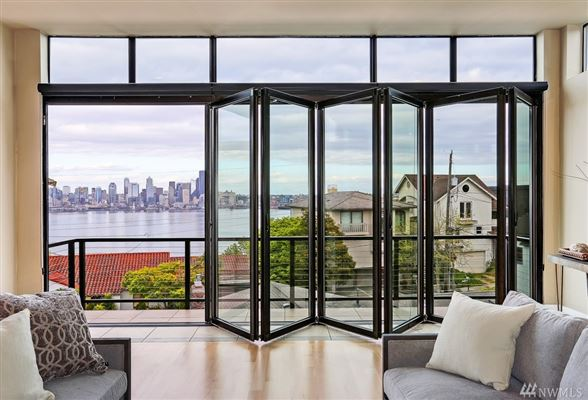 Luxury homes in stunning modern architecture