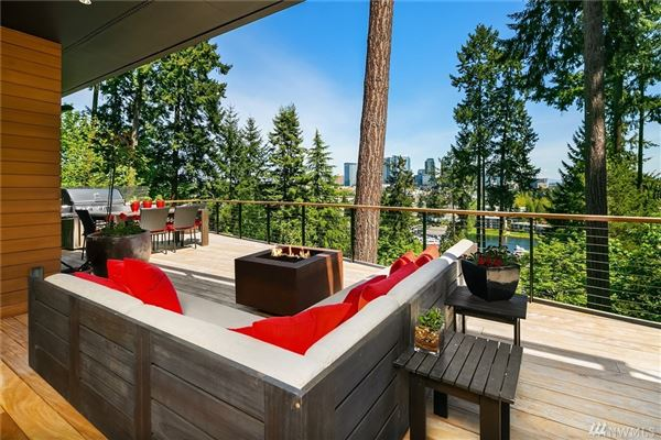 Luxury homes Luxury Home with wondrous views