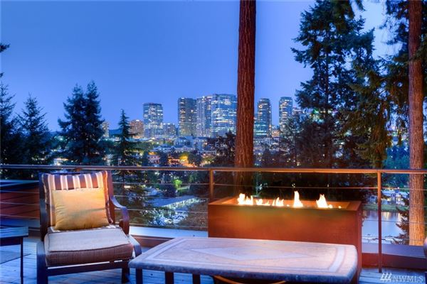 Mansions in Luxury Home with wondrous views