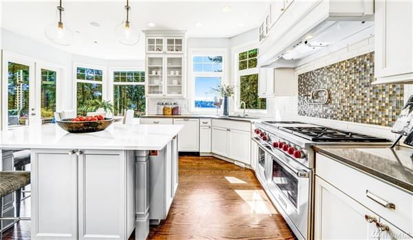 West Bellevue six bedroom home with sweeping views mansions