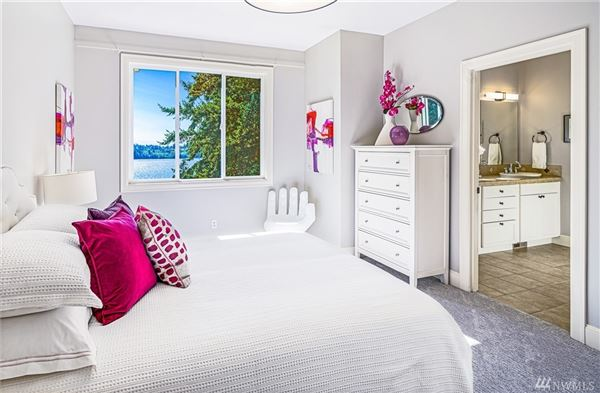 Luxury homes West Bellevue six bedroom home with sweeping views