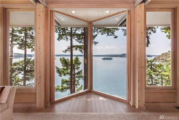 CONTEMPORARY BLAKELY IS WATERFRONT COMPOUND luxury real estate