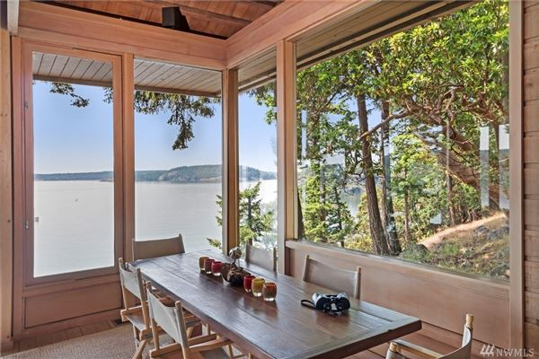 Luxury properties CONTEMPORARY BLAKELY IS WATERFRONT COMPOUND