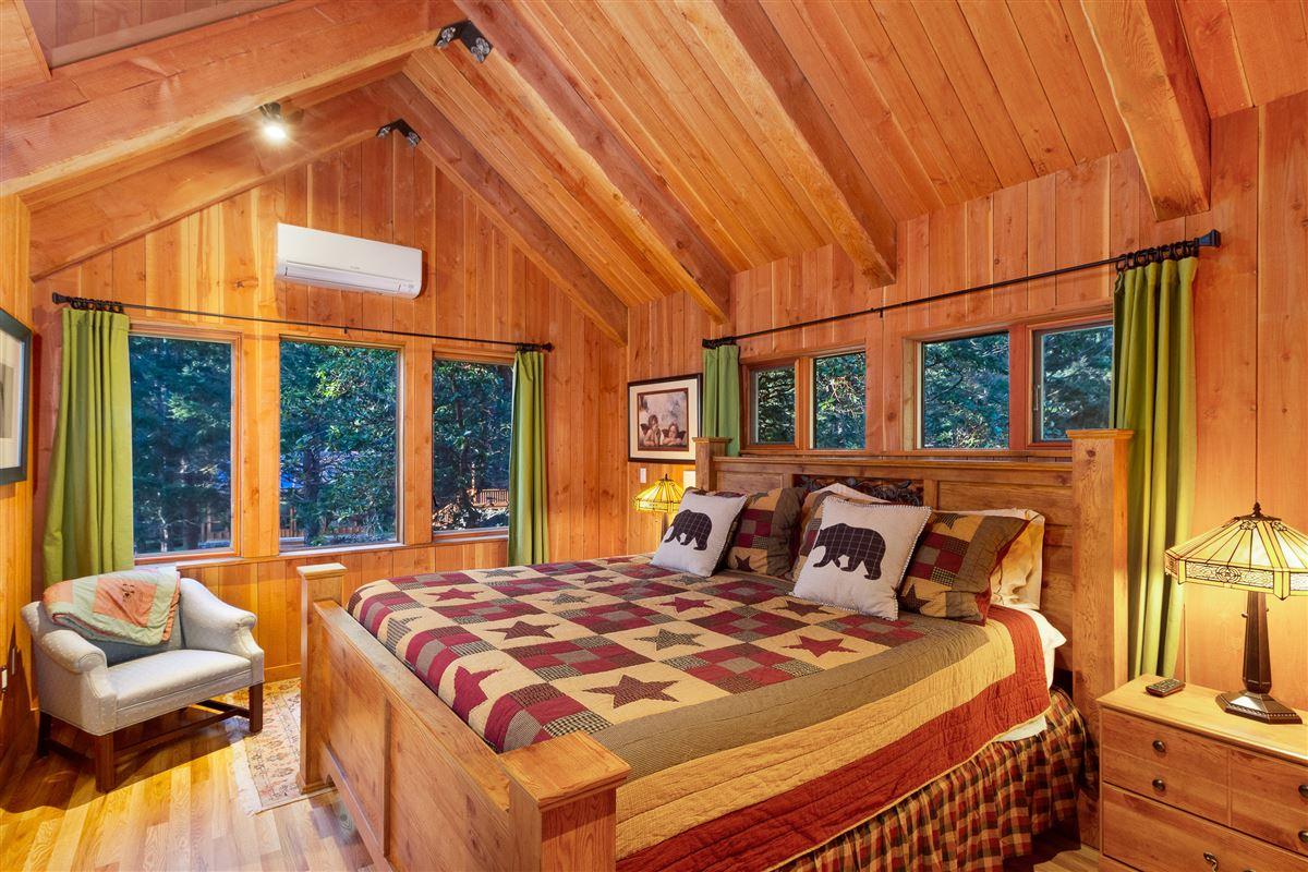 A brilliant vantage point luxury homes