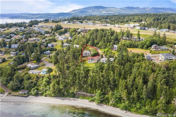 Mansions Sought after Protection Point Gated community
