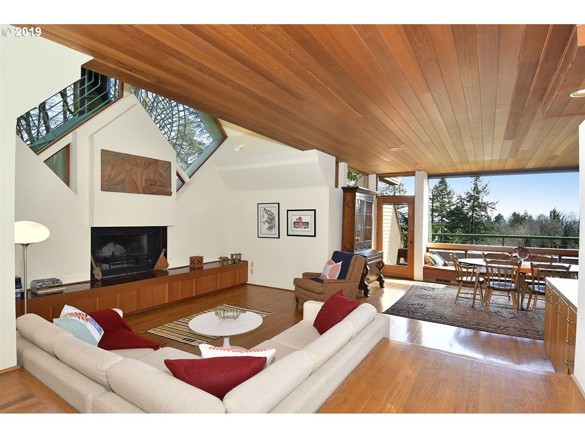 designed by renowned architect luxury real estate