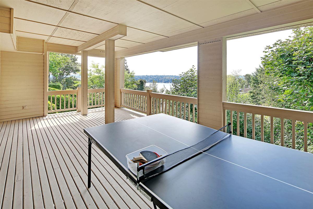 Panoramic Lake Views on Mercer Island luxury real estate