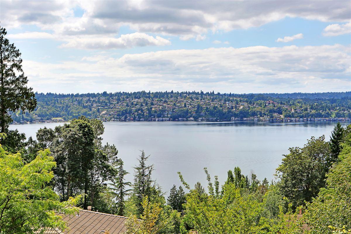 Panoramic Lake Views on Mercer Island luxury properties