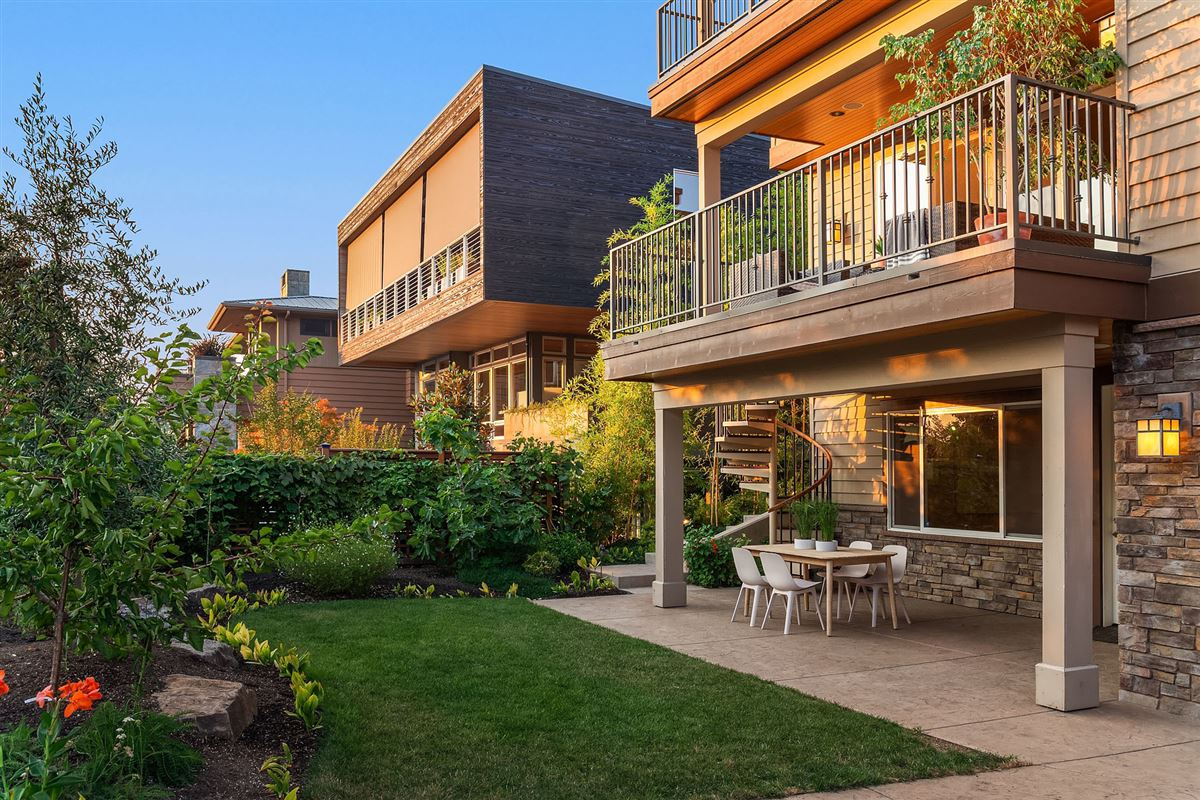 Mansions Northwest contemporary Set on a majestic landscape
